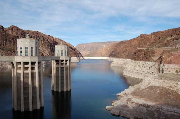 http://scienceprogress.org/wp-content/uploads/2009/06/lake_mead_591.jpg